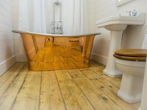 Huge copper bath at Castle View